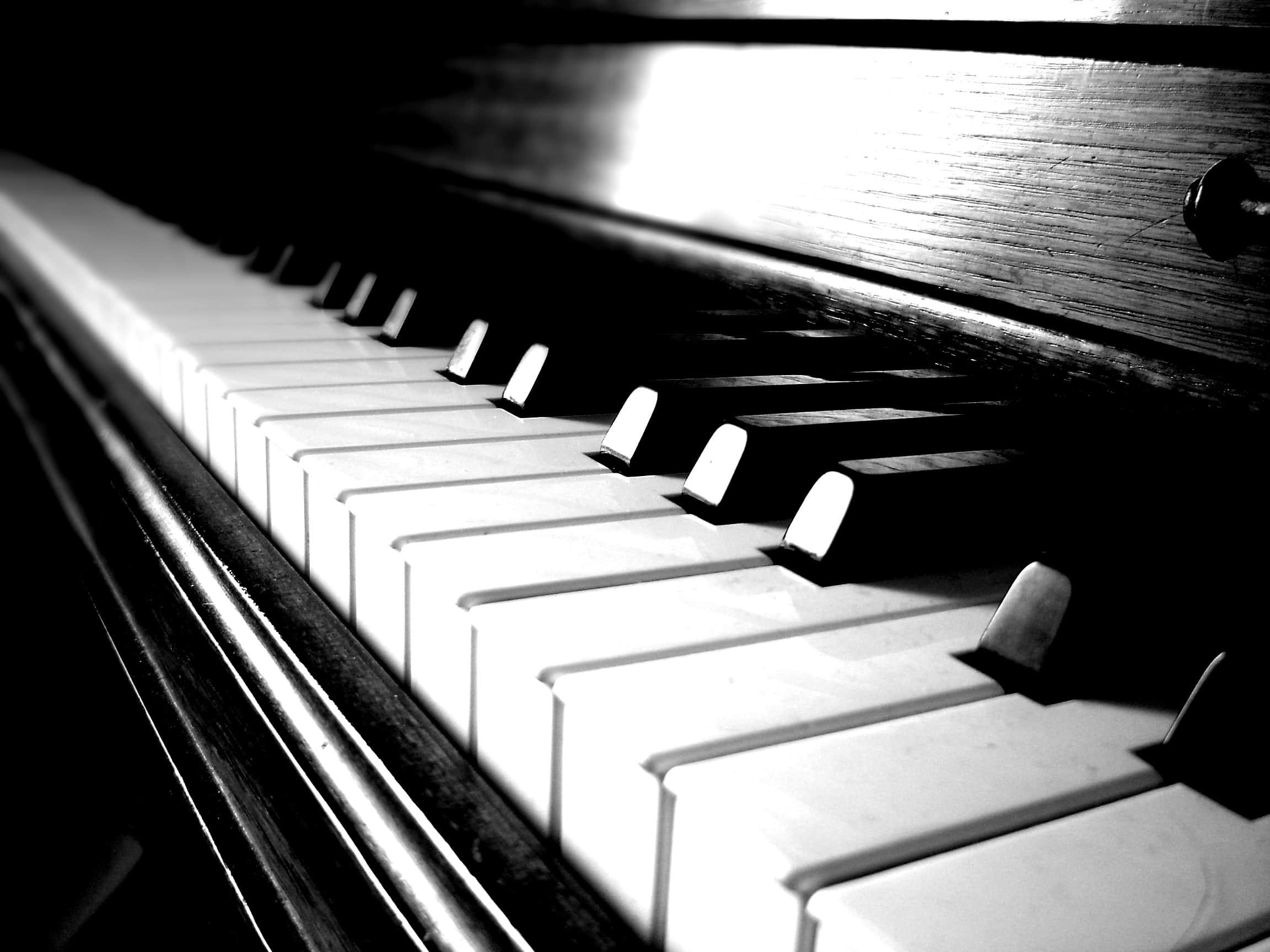 http://dannyabosch.com/wp-content/uploads/2010/08/piano-s.jpg