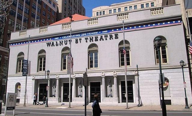 640px-Walnut_Street_Theatre_from_east